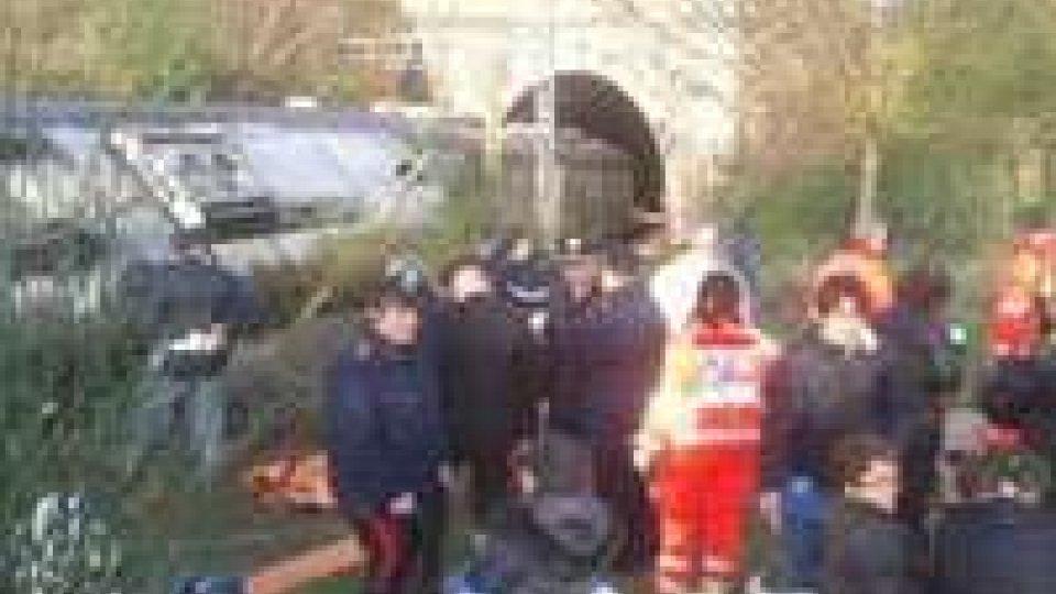 Perugia: deraglia treno, 15 feriti