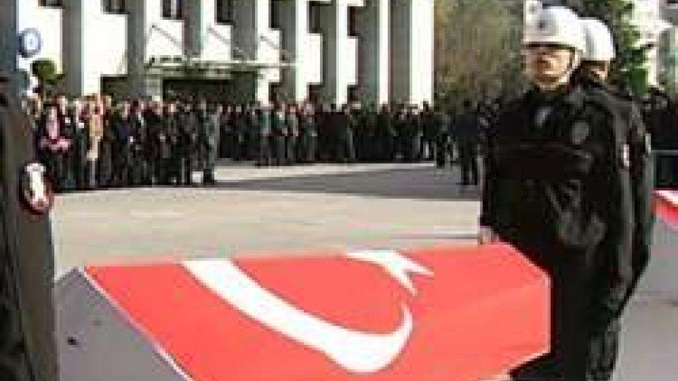 Gruppo curdo Tak rivendica attentato Istanbul