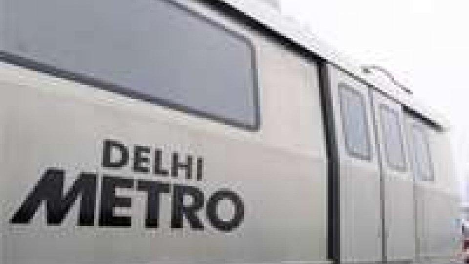 """India: metro """"a luci rosse"""", video sorveglianza su siti porno"""