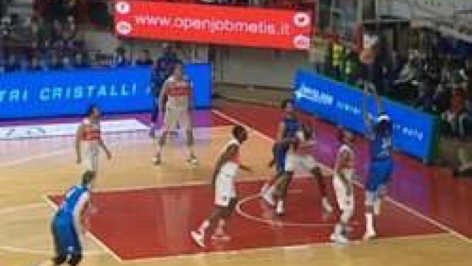 Basket, Seria A: colpi esterni per Brescia e AvellinoBasket, Seria A: colpi esterni per Brescia e Avellino