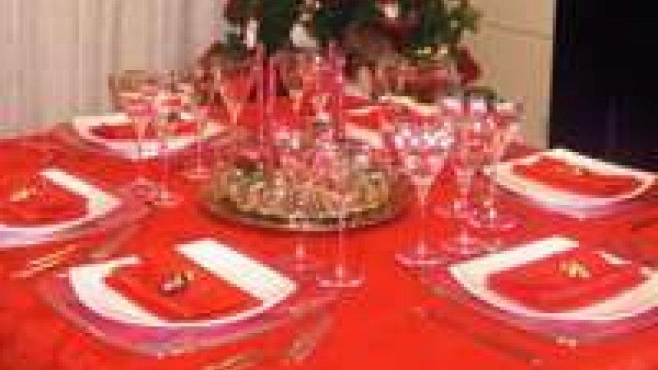 Natale: il 91% degli italiani festeggia in casa, budget 96 euro
