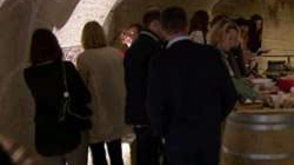"""Palazzo Graziani, ieri mostra con le foto de """"La Grandeur di Parigi"""""""