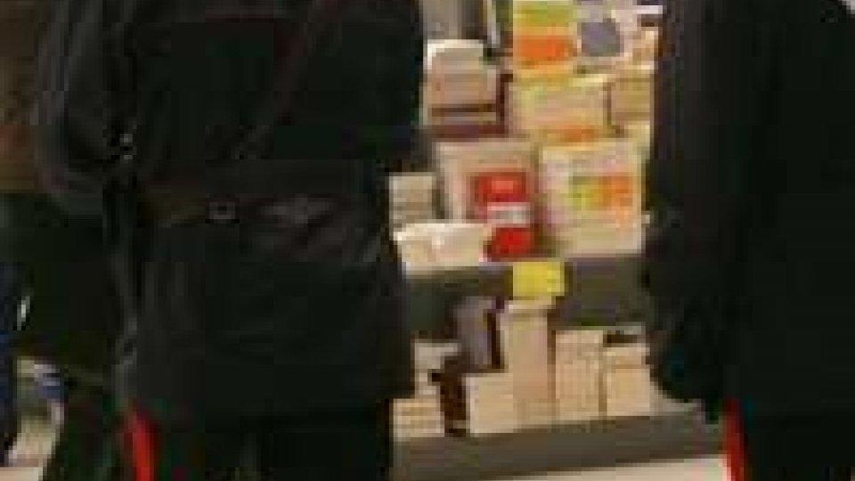Rimini: denunciato dai Carabinieri perché sorpreso a rubare una borsa