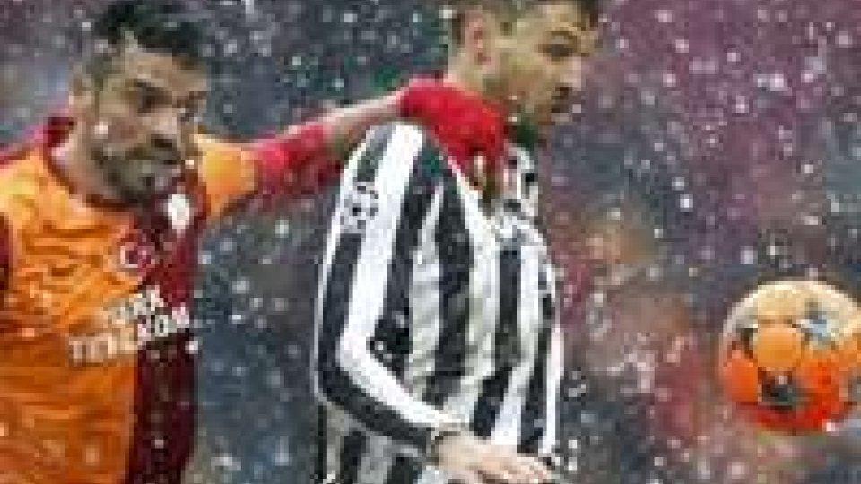 Juve fuori dalla Champions: battuta dal Galatasaray, segna Sneijder