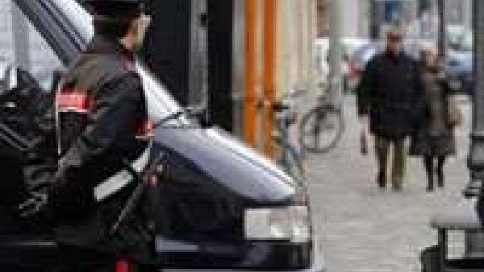 Rimini: auto sammarinese si scontra con Carabinieri