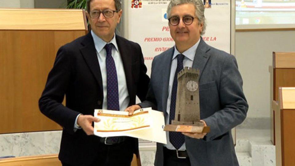 """Pasqualino Piunti e Sergio BarducciPremio Giornalistico per la Riviera delle Palme: premiato Sergio Barducci per la trasmissione """"Altamarea"""""""