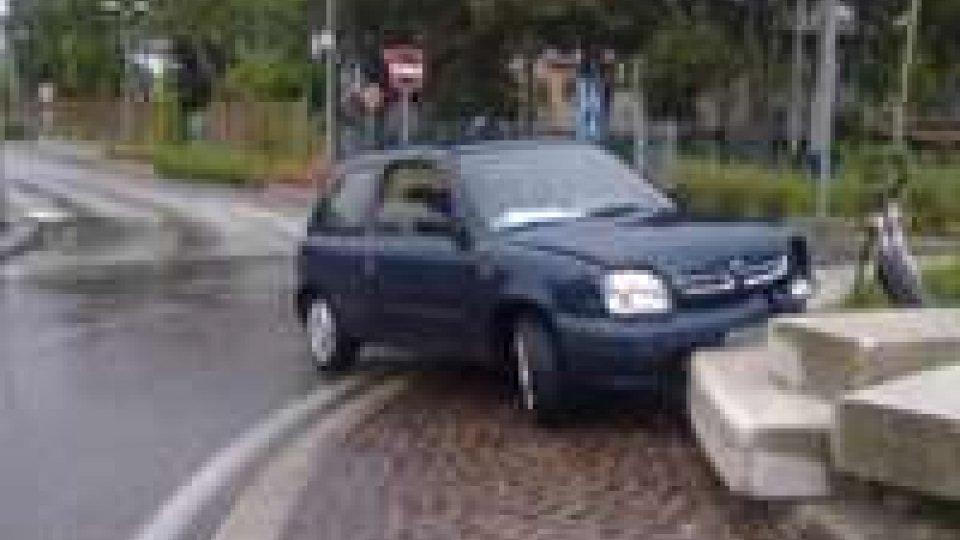 Rocambolesca fuga con incidente ieri sera a Rimini
