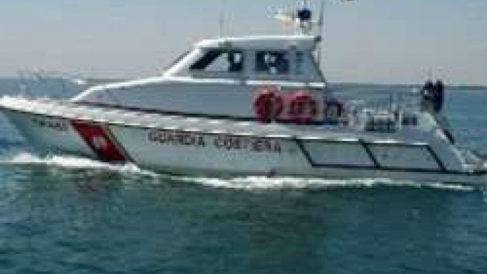 Marinaio turco si amputa 4 dita al largo di Rimini, soccorso in mare