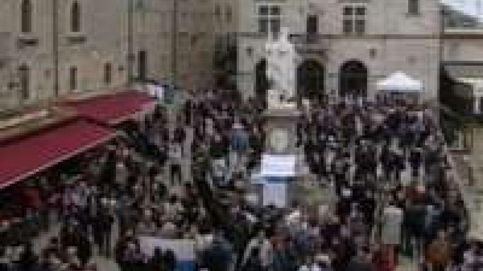 """""""Bisogna muoversi"""", in piazza per dire no alle mafie""""Bisogna muoversi"""", in piazza per dire no alle mafie"""