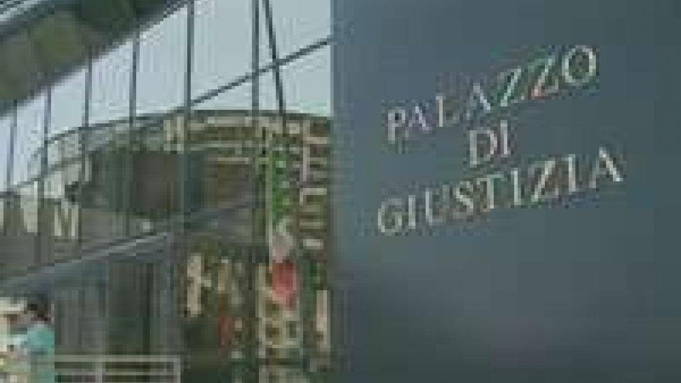 Microspie sede albergatori Rimini, condannato ex dipendente