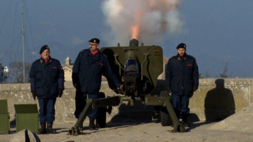 il colpo di cannoneColpi di cannone per Santa Barbara in San Marino