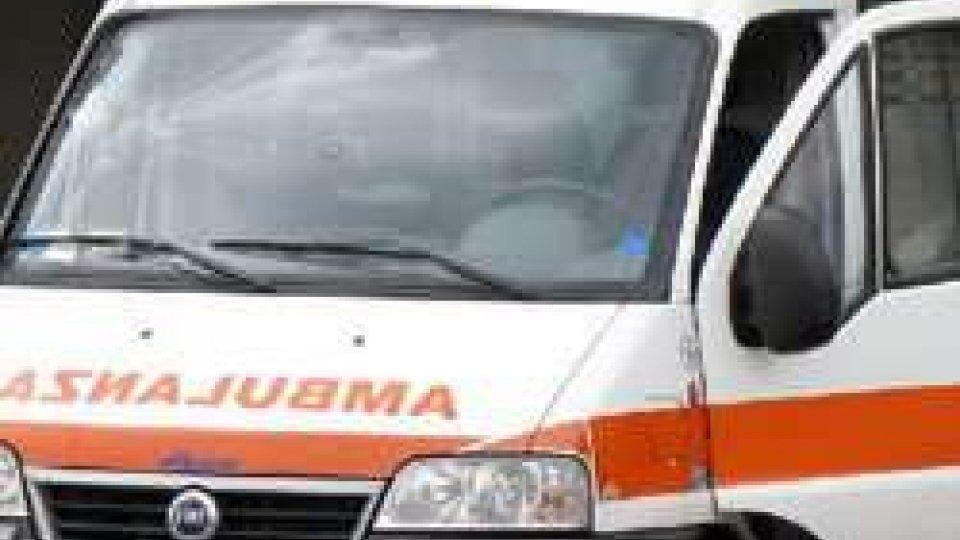 Incidente a Forlì: auto cappottata e un 55enne all'ospedale