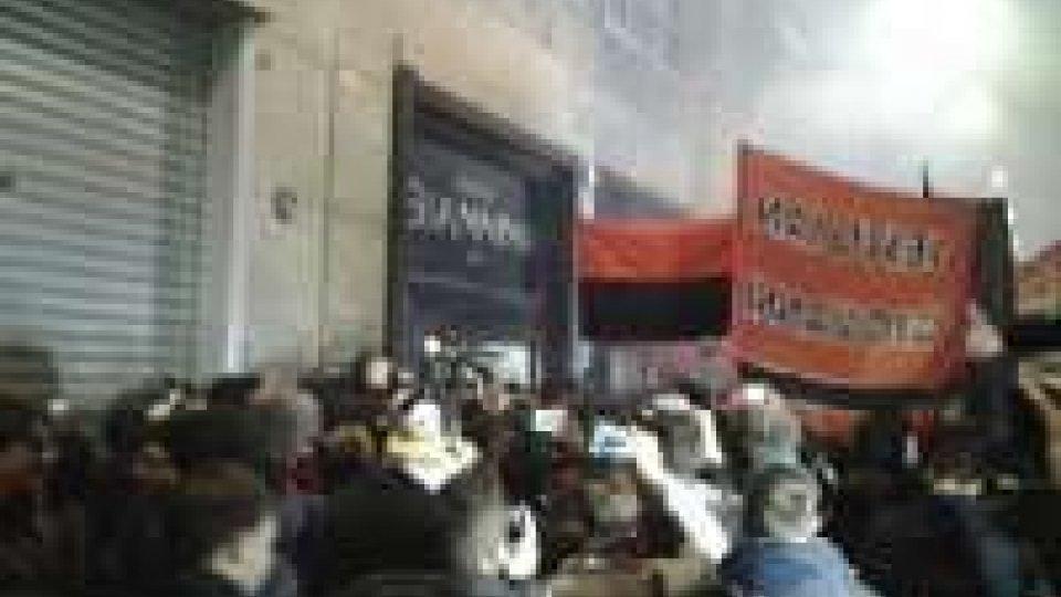 Rissa per Balotelli davanti al ristoranteUragano Balotelli