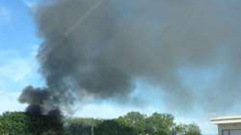Incendio allo stabilimento dismesso dell'Acquabell - LE IMMAGINI