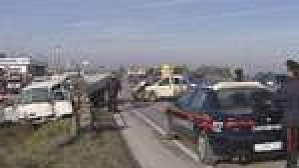 Rimini - Incidente a Santarcangelo: coinvolti tre veicoli. Grave una donnaIncidente a Santarcangelo: coinvolti tre veicoli