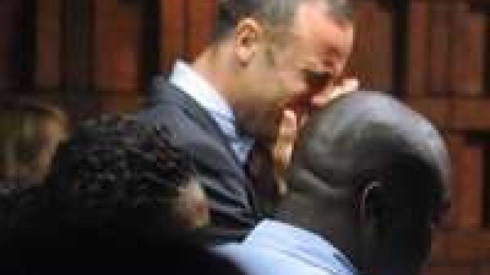Pistorius: a gennaio chiesto 6 licenze per armi pesantiPistorius: in lacrime davanti al giudice