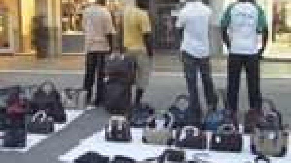 Continua la lotta della Guardia di Finanza contro l'abusivismo commerciale
