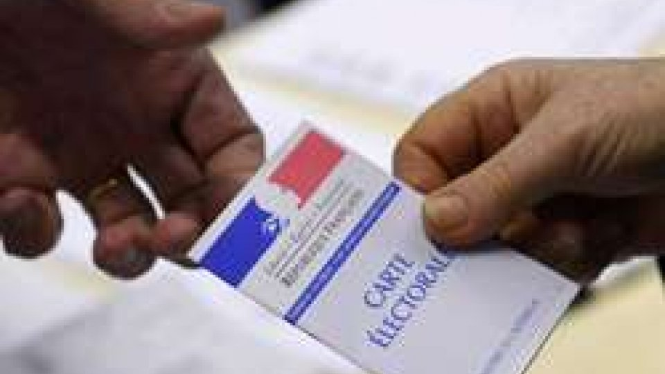 Francia: voto blindato e stato di emergenza per il primo turno delle elezioni presidenziali
