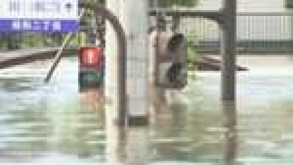 Tifone Roke sul Giappone: ameno 15 morti