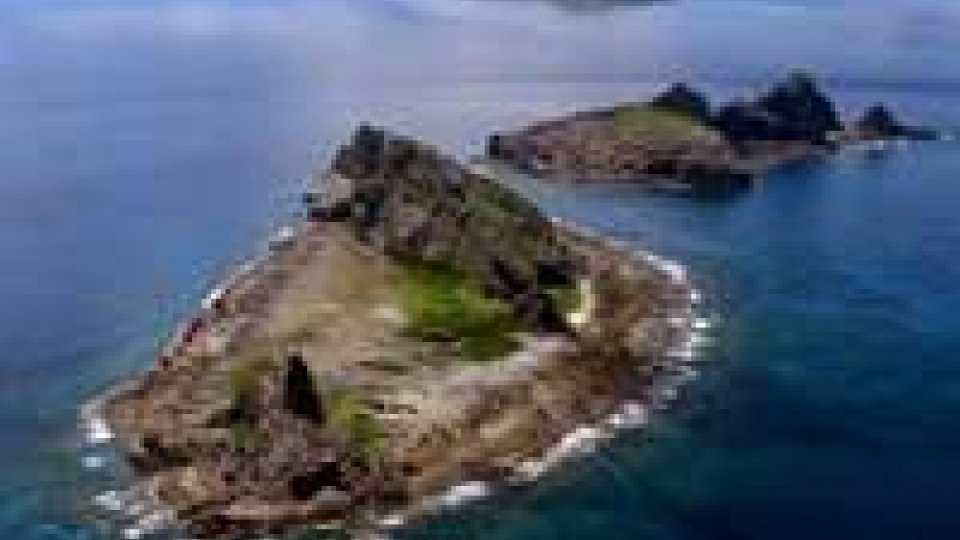 Giappone-Cina: navi cinesi al largo delle isole Senkaku