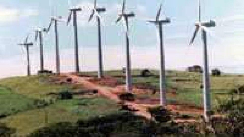 Indagine Seas porta a sequestro Parco eolico di Isola Capo Rizzuto
