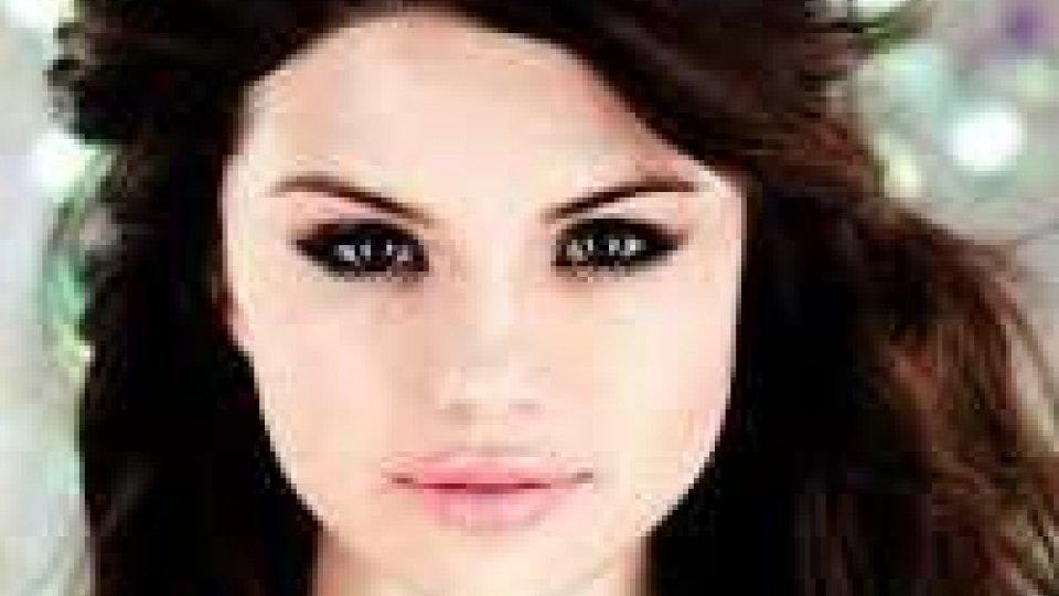 Russia: star Usa Selena Gomez annulla due concerti