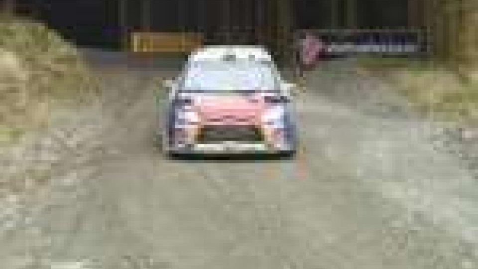 Rally del Galles: Loeb al comando