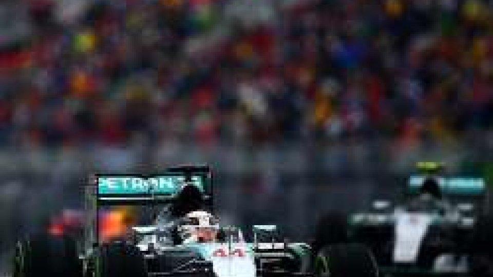 GP Brasile: prime libere, vola Hamilton, terza la Ferrari di Vettel
