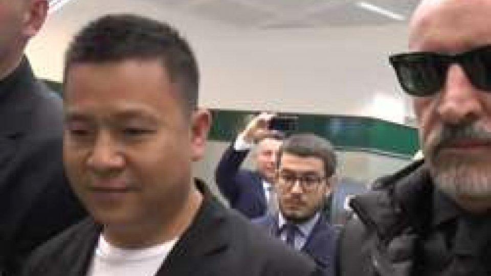 """Ecco il """"closing"""": il Milan è cinese"""