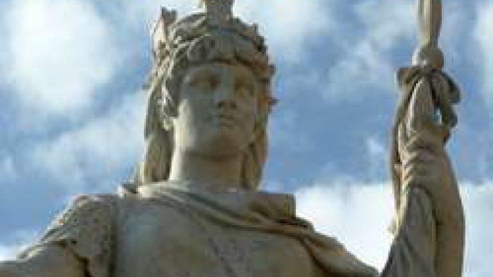 Statua della LibertàNuovo Direttore e dimissioni nel Direttivo Bcsm: botta e risposta tra opposizione e maggioranza