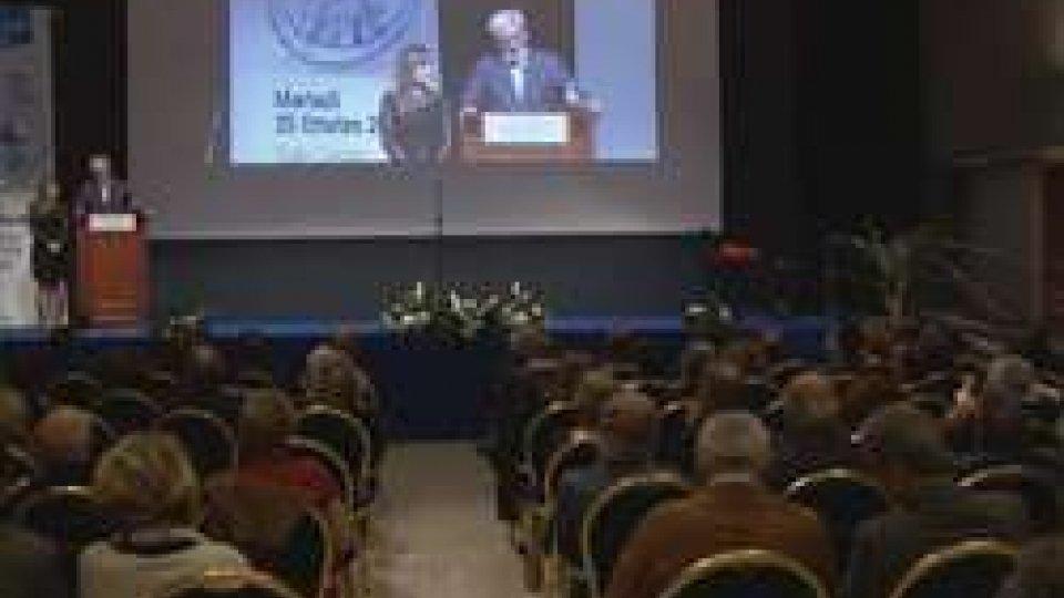 Sala piena per la presentazione della lista del PdcsSala piena a Serravalle per la presentazione della lista del Pdcs