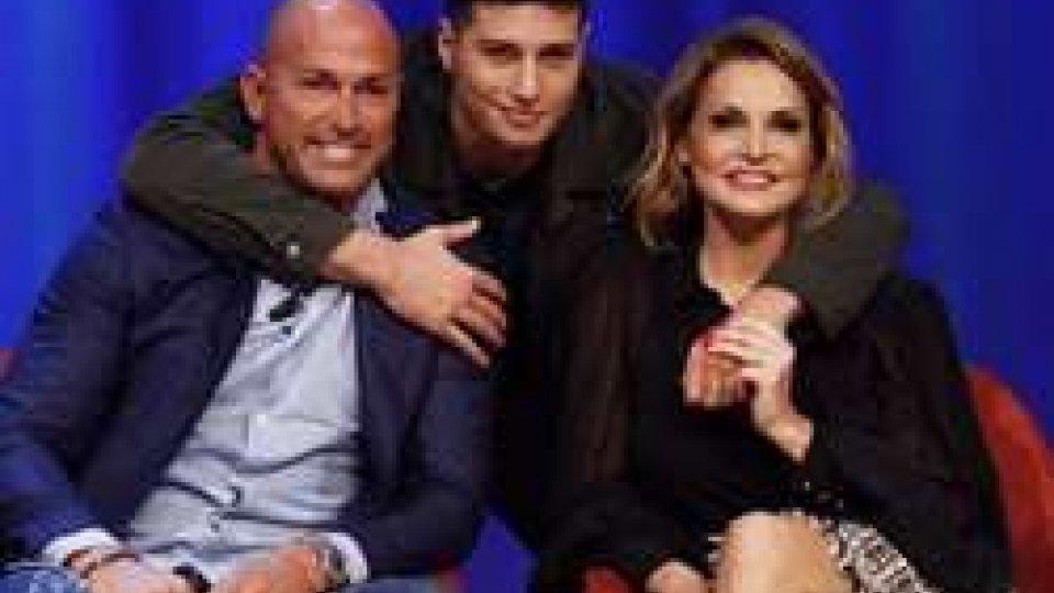 Niccolò Bettarini con i genitori, Stefano Bettarini e Simona Ventura