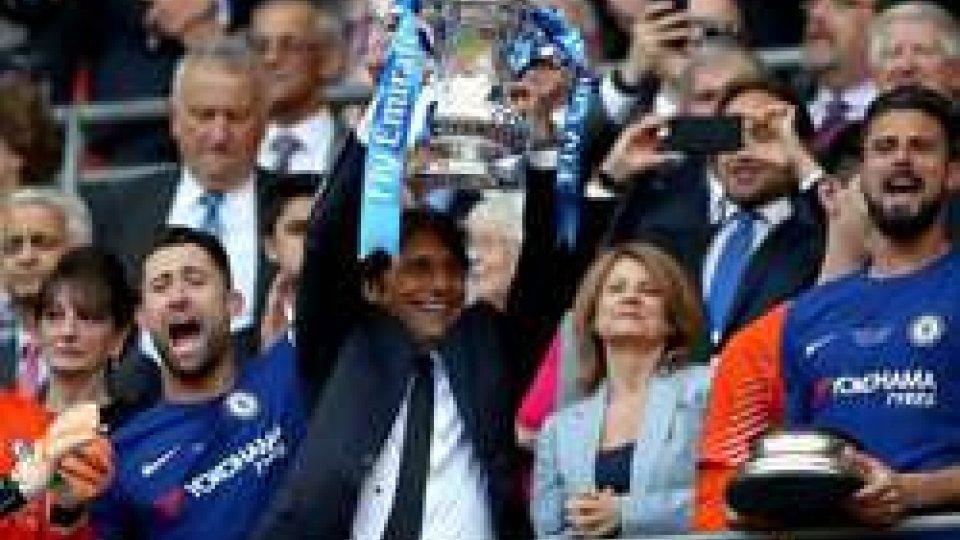 Conte alza la FA Cup