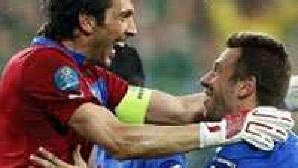 L'Italia c'è, Trap battuto 2-0. Spagna-Croazia: nessun 'biscotto'