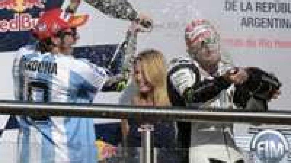 MotoGP: Valentino vince, Marquez lotta e cade
