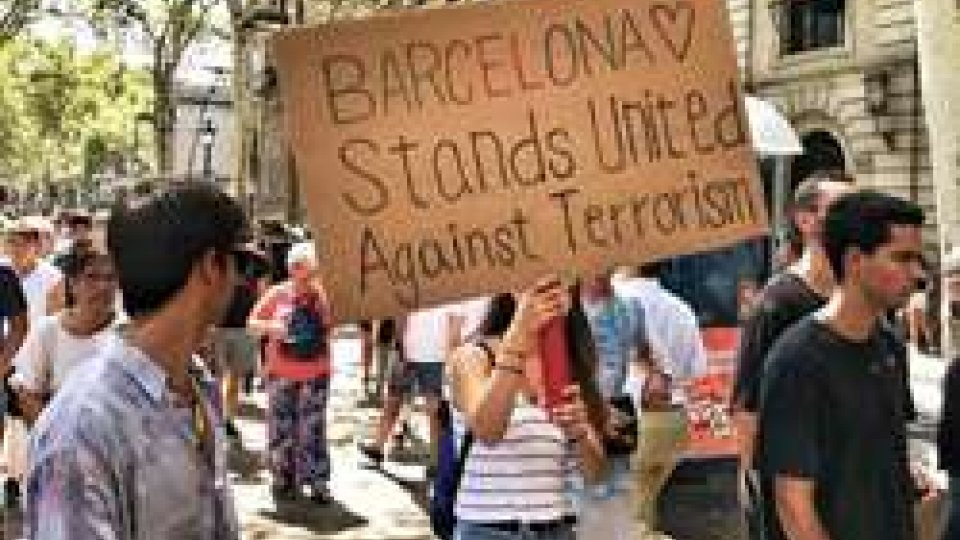 Manifestazioni a BarcellonaBarcellona ricorda le vittime dell'attentato sulla Rambla, due morti italiani