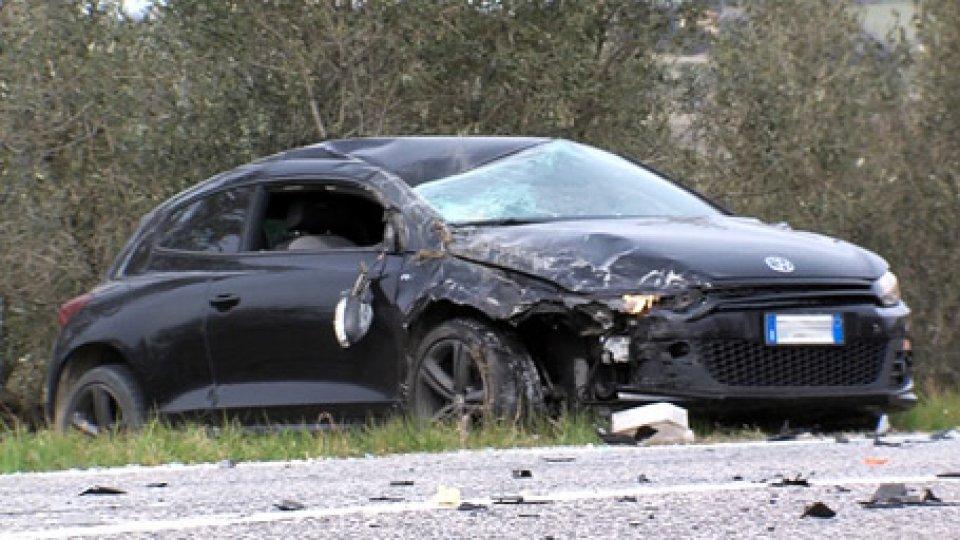Immagini dell'incidenteScontro fra due auto a Falciano [VIDEO]
