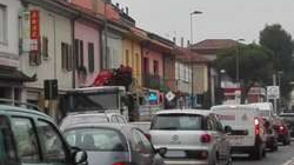 Traffico a San Giuliano (ph Newsrimini)