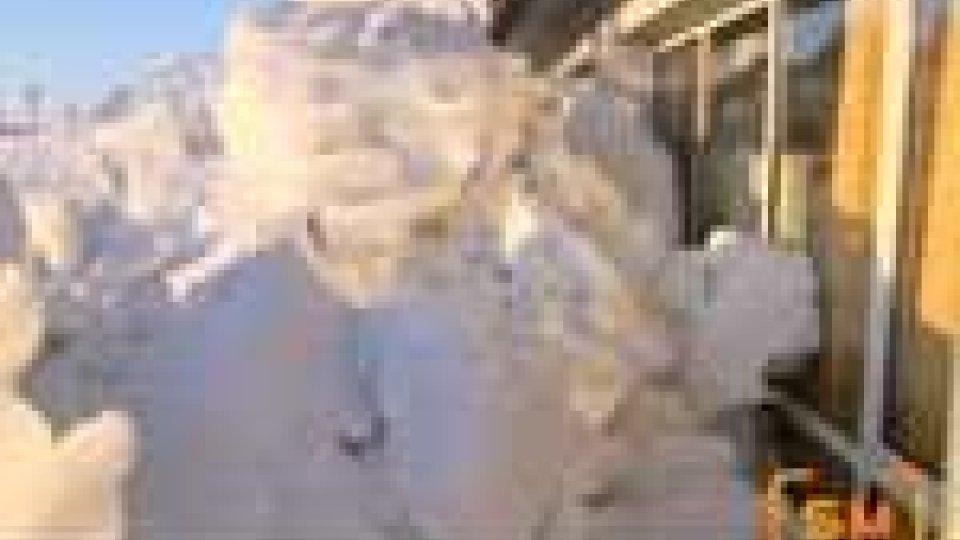 San Marino - Crolla la neve dal tetto. Evacuati i bambini delle elementari di Acquaviva, chiuso il plesso