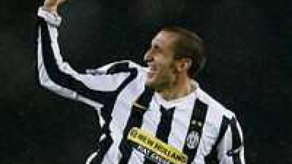 La Juventus sbanca il Dall'Ara e tenta la fuga