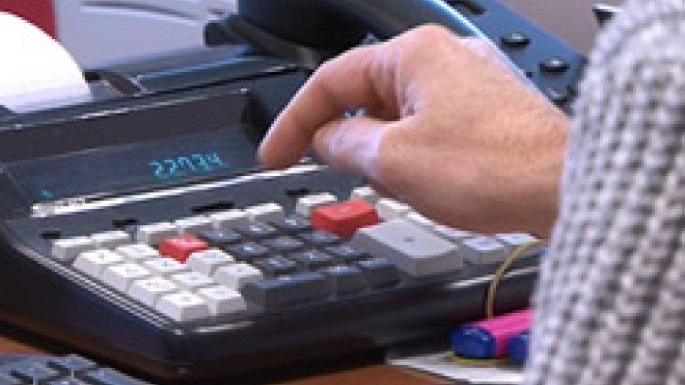 dipendenti PaIn futuro meno giorni di vacanza per i dipendenti pubblici, l'idea è nella spending review