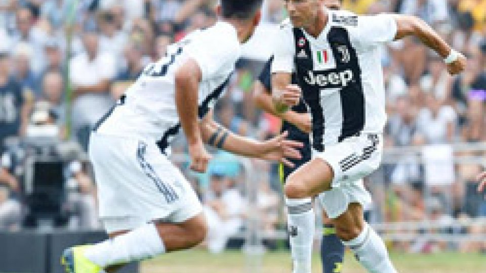 La partita di esordio di Cristiano RonaldoJuventus: esordio con gol per Cristiano Ronaldo a Villar Perosa
