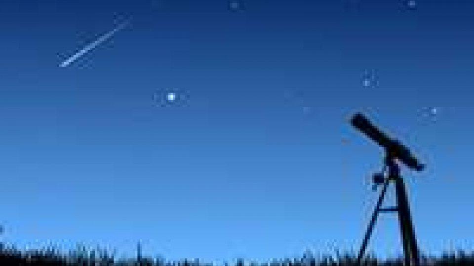 Caccia a stelle cadenti dalla notte di San Lorenzo fino a Ferragosto