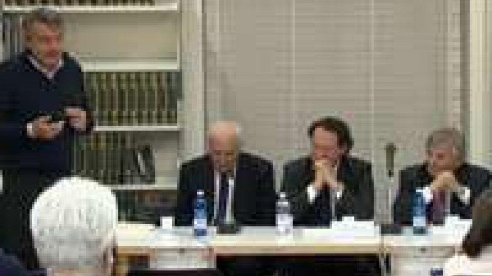 """Presentato libro """"Storia delle Istituzioni"""" di Alvaro Selva"""