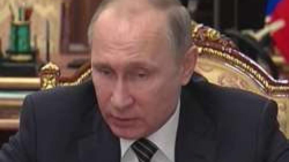 Vladimir PutinPutin conferma: cessate il fuoco in Siria, ora i negoziati