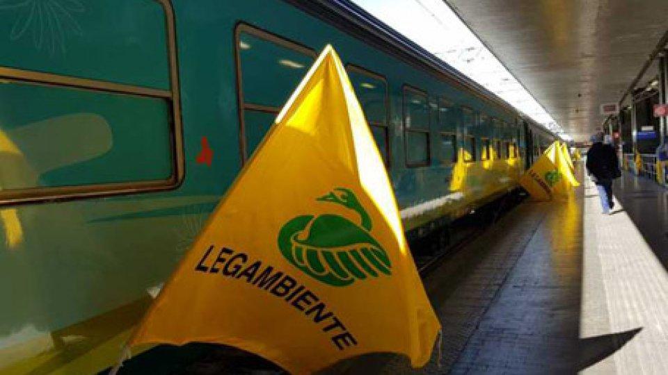 Il treno verde. Foto ansa