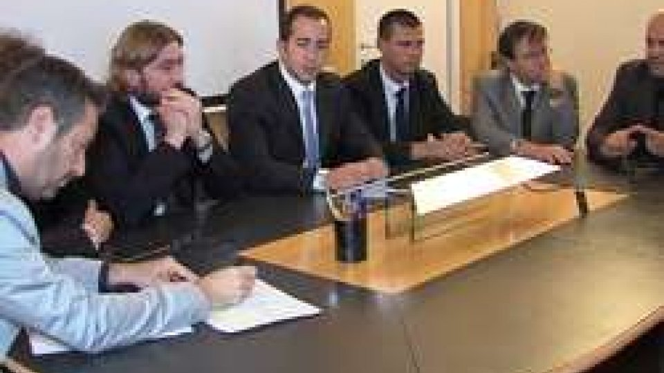 Opposizioni in conferenza stampa
