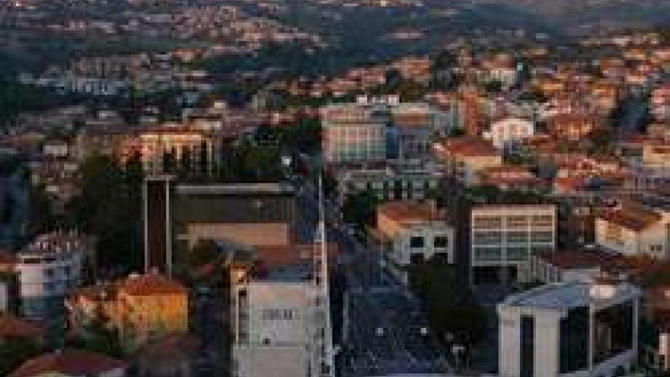 Indebitamento estero: la replica della DC; le preoccupazioni di MDSI