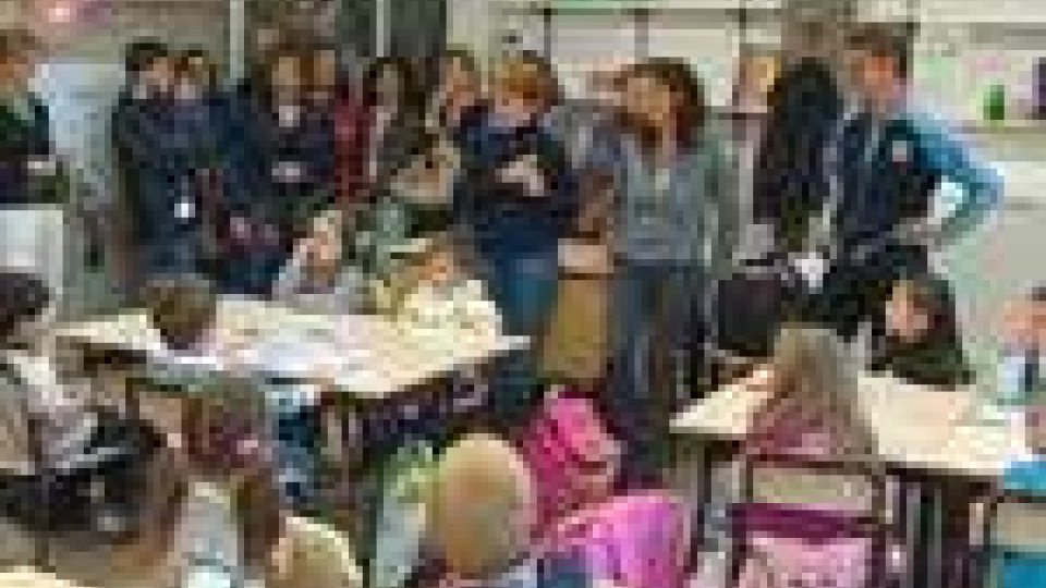 Primo giorno di scuola per asili ed elementari