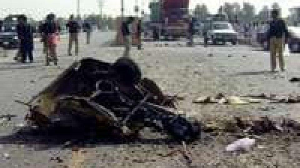 Due kamikaze in Pakistan: obiettivo fallito